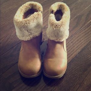 Girls Zip Up Boots with Faux Fur